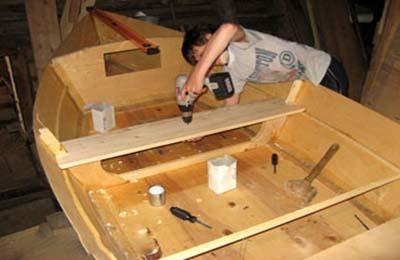 какую фанеру используют при строительстве лодок